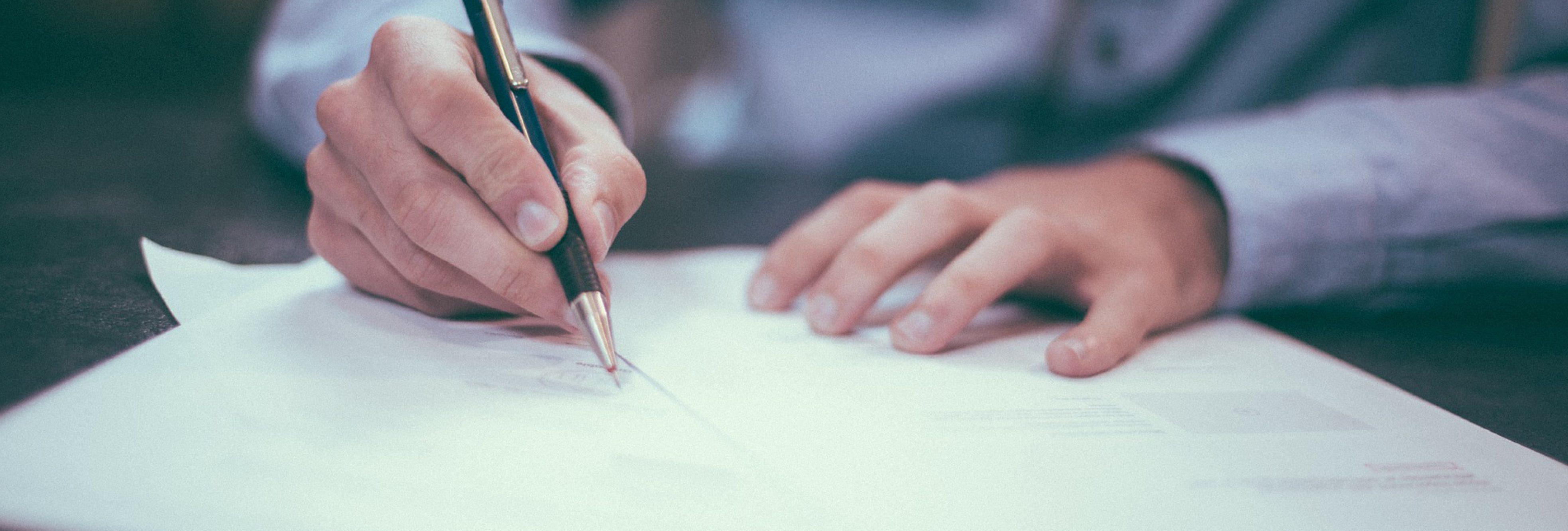 Signature contrat apprentissage